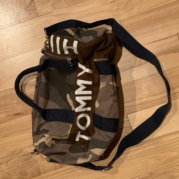 TOMMY HILFIGER small gym bag